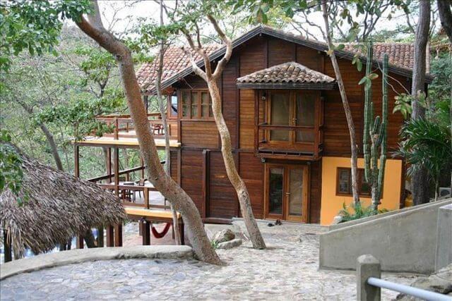 Redonda Bay, Nicaragua - Housing