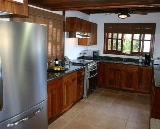 Redonda Bay, Nicaragua – Shared Kitchen
